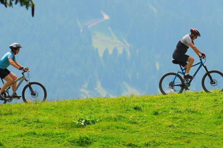 9809_vtt-sportif-dans-les-alpes