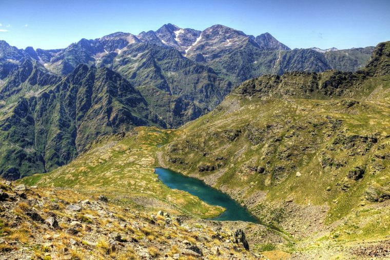 andorra-moutains-lake